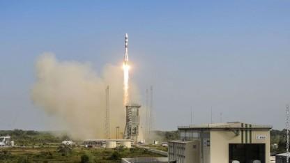 Start der Sojus-Rakete am 17. Dezember 2015: Ariana transportiert vier Satelliten.
