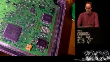Der Hacker Felix Domke nahm eine Bosch-ECU auseinander.