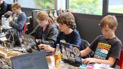Teilnehmer eines Jugend-hackt-Workshops