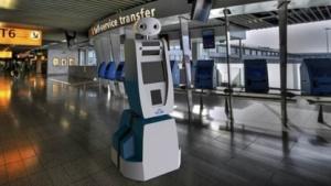 Spencer am Flughafen Schiphol: keine Kollision mit Kofferkullis