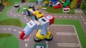 Im Tinkerbot-Store kann mit den Robotern gespielt werden.