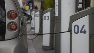 Elektromietauto in Paris (Symbolbild): BMW, Daimler und Volkswagen sind dabei.
