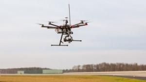 Ein Multicopter im Einsatz am Frankfurter Flughafen