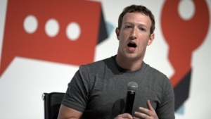 Facebook-Gründer Zuckerberg auf dem Mobile World Congress in Barcelona 2015