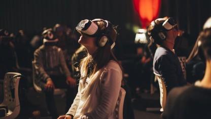 Im VR-Kino gibt es Drehstühle statt Kinosessel.