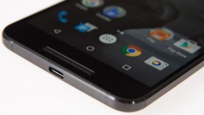 Google bietet das Nexus 6P abermals reduziert an.