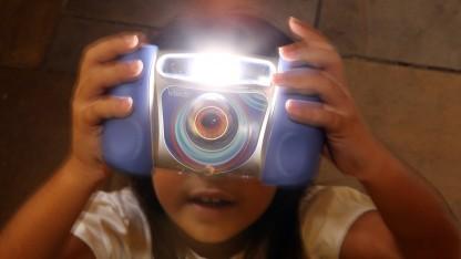 Ende November 2015 konnte sich ein Hacker Zugriff auf viele tausend Kinderbilder verschaffen - weil Vtech bei der Sicherheit geschlampt hatte.