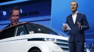 Der VW-Markenchef Herbert Diess bei der Präsentation des Budd-e