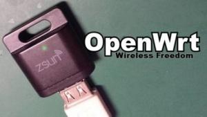 Ein kleiner SD-Kartenleser lässt sich zur OpenWRT-Plattform umflashen.