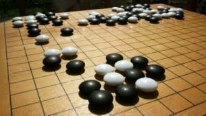 Alpha Go besiegt auch einen der weltbesten Go-Spieler.