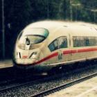 Bundesverkehrsminister: Dobrindt pocht auf pünktliches WLAN-Rollout im ICE