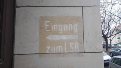Kein Eingang zum Leistungsschutzrecht, sondern zu einem früheren Luftschutzraum in Dresden