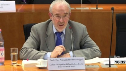 Alexander Roßnagel lässt kaum ein gutes Haar an der EU-Datenschutzreform.