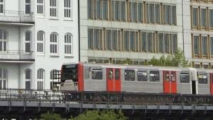 Hochbahnzug im Hamburg: Vernetzung im überschaubaren Zeitrahmen