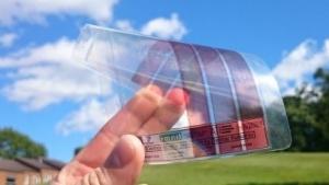 Solarzelle mit Nanostruktur aus Graphen: Auch ultraviolettes und Infrarotlicht werden absorbiert.