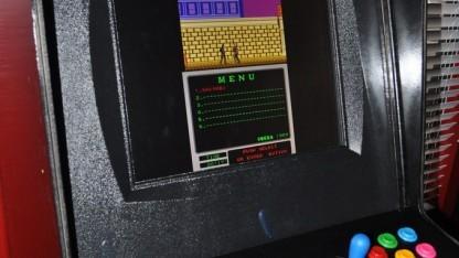 Nachbau eines Arcade-Automaten mit Mame