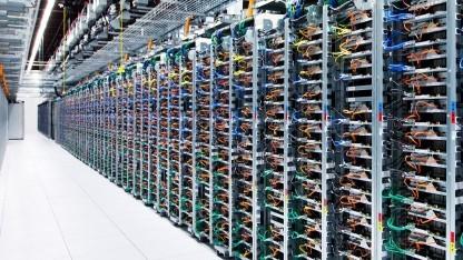 Racks in einem Rechenzentrum von Google