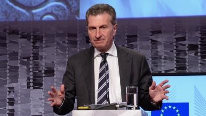 EU-Digitalkommissar Günther Oettinger: Wem gehören die Daten?