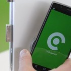 Iloq: NFC-Türschloss braucht keine Batterien