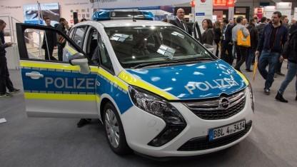 Streifenwagen mit Internet: Schaltflächen für Blaulicht und Martinshorn