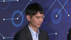 Lee Sedol auf der Pressekonferenz nach der dritten Partie gegen Alpha Go