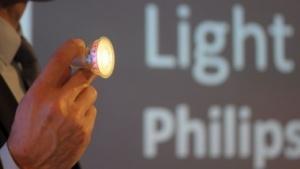 Dieser LED-Spot leuchtet auch zur Seite.