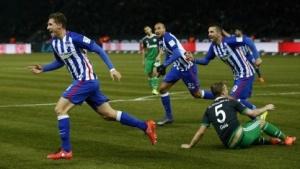 Bing kann jetzt in Deutschland den Ausgang von Fußballspielen vorhersagen.