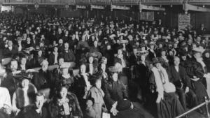 Es gab Zeiten, da waren Smartphones in Theatern und Kinos noch kein Problem.
