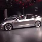 Elektroauto: Tesla Model 3 startet mit 115.000 Reservierungen