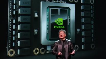 Nvidia-Chef Jen-Hsun Huang stellt den GP100 vor.