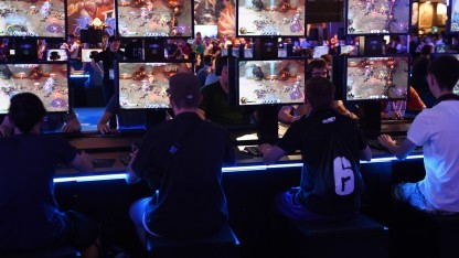 Spieler auf der Gamescom 2015