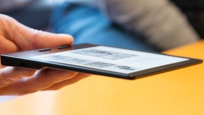 Amazons Kindle Oasis ist besonders dünn und leicht.