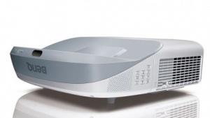 Ultra-Kurzdistanz-Projektor Benq MW883UST