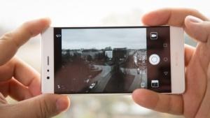 Das Huawei P9 verfügt über einen separaten Schwarzweiß-Bildsensor.