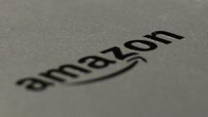 Amazon kämpft juristisch gegen fingierte Bewertungen.