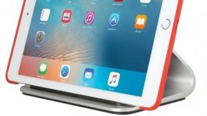 Die Ladestation Logi Base für das iPad Pro