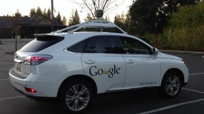 Autonomes Google-Auto: Ohne Fahrer geht es derzeit noch nicht.