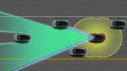 Der Tesla S ist sich seiner Umgebung bewusst.