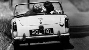 Verliebtsein kann die Aufmerksamkeit vom Straßenverkehr ablenken.
