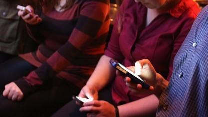 Schon wieder was Neues: 150-mal am Tag schauen Smartphone-Besitzer im Durchschnitt auf ihr Telefon.