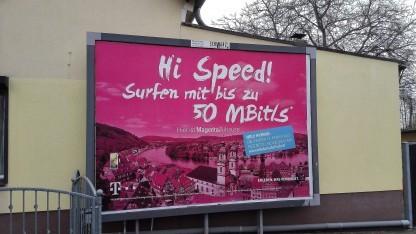 Werbeplakat der Telekom in Großbeeren, noch für 50 MBit/s