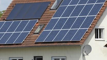 Kleinere Solarlagen sollen künftig ebenfalls einen vernetzten Stromzähler bekommen.