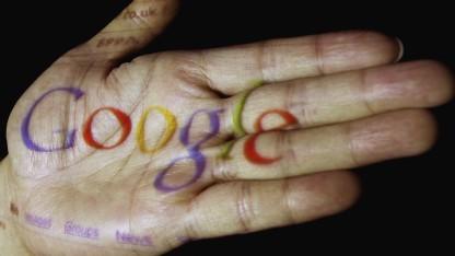 Google lässt sich in der Datenschutzerklärung weitgehende Rechte einräumen - und erklärt nicht, wofür.