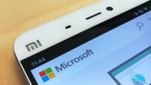 Microsoft und Xiaomi wollen künftig offenbar enger zusammenarbeiten.