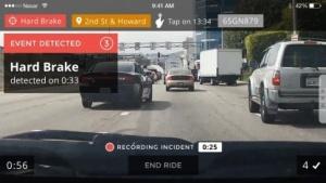 Die Dashcam-App wertet das Verkehrsgeschehen aus.