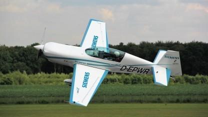 Elektroflugzeug Extra 300LE: elektrisches Verkehrsflugzeug soll 2030 fertig sein