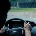 Geländewagen: Land Rover fährt autonom über Stock und Stein