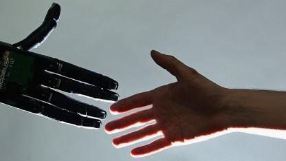 Jeder zweite Klick im Internet soll auf das Konto von autonomen Softwarerobotern gehen.