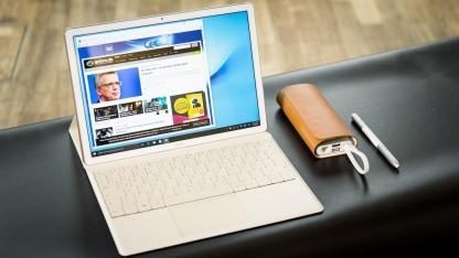 Das Matebook in seinem Tastatur-Cover