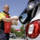In-Car-Delivery: DHL macht den Smart zur Paketstation